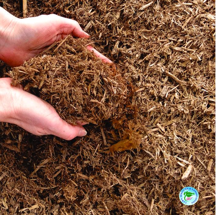 landscapers-cedar-mulch